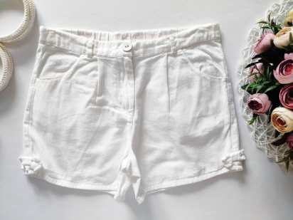 8 лет, рост 128 Белые шорты для девочки
