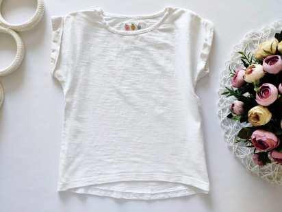 5 лет, рост 110 Белая футболка для девочки