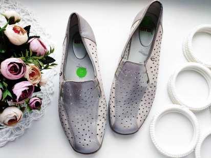 40 (26 см) Кожаные женские туфли на низком ходу