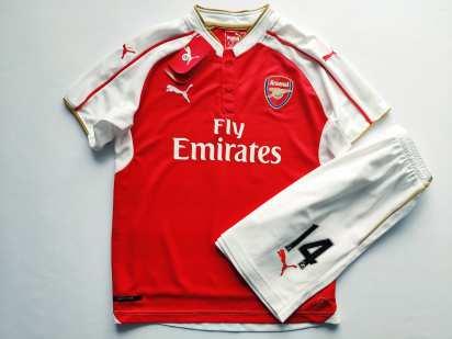 Новая! Рuma фирменная футбольная форма (футболка + шорты) Пума