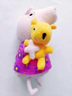 Озвкчена Свинка Пеппа с мишкой тедди