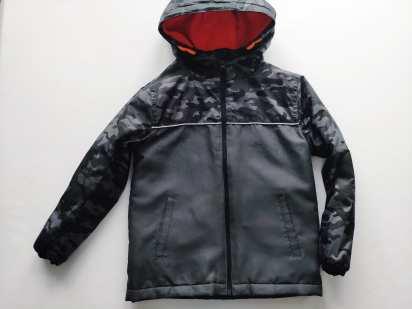 6-7 лет, рост 122 Демисезонная курточка для мальчика