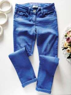 9 лет, рост 134  Стрейчевые джинсы для девочки