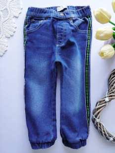 2,3 года, рост 98 Стрейчевые джинсы для мальчика с лампасами