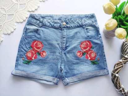 10,11 лет, рост 146 Джинсовые шорты для девочки с вышывкой