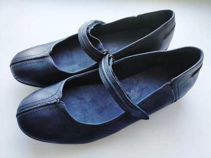 42 (27,5 см) Кожаные женские туфли на низком ходу