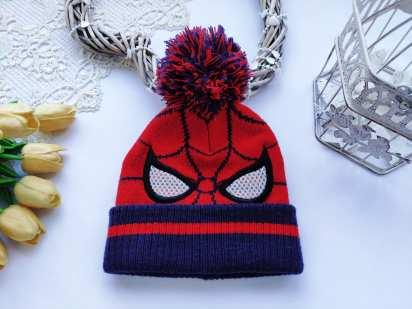 Теплая шапка с человеком пауком