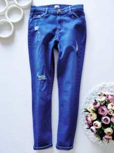 11 лет, рост 146 Голубые джинсы узкачи