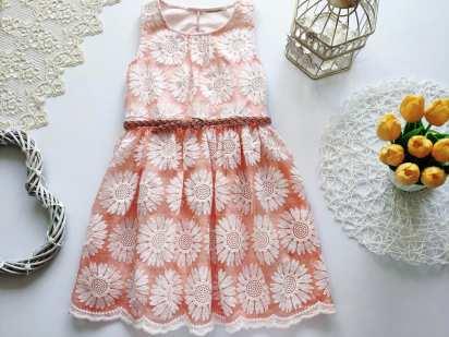 8 лет, рост 128 Нарядное детское платье
