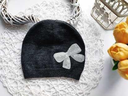 Теплая деми шапка для девочки