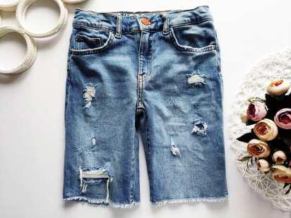 10 лет, рост 140 Стрейчевые джинсовые шорты