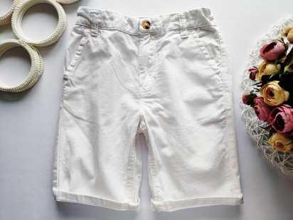8 лет, рост 128 Белые шорты для мальчика