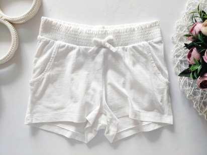 5 лет, рост 110 Белые шорты