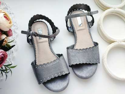 30 (19,5 см) Серебристые сандали