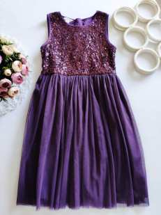 9 лет, рост 134 Нарядное платье в паетках