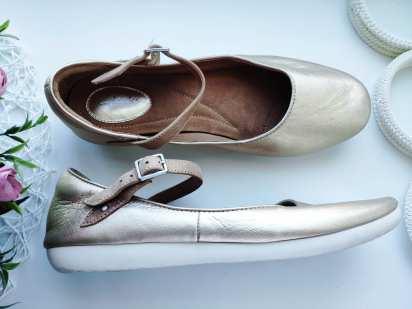 39 (25 см) Кожаные золотистые туфли