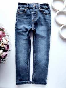 3,4 года, рост 104 Стрейчевые джинсы