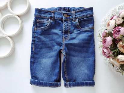 7 лет, рост 122 Стрейчевые джинсовые шорты