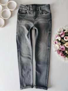10 лет, рост 140 Стрейчевые джинсы