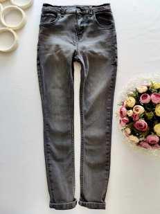 11 лет, рост 146 Стрейчевые джинсы узкачи