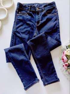 12 лет, рост 152 Стрейчевые джинсы