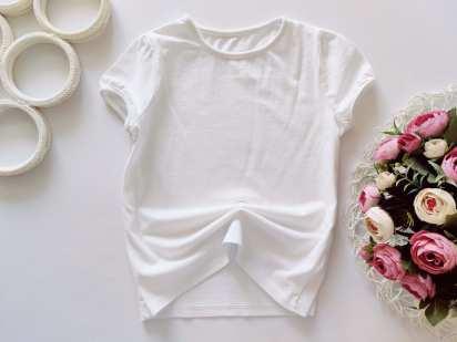 7,8 лет, рост 122,128 Белая футболка для девочки