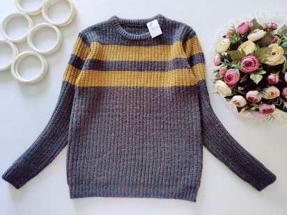 10,11 лет, рост 140,146 Новый свитер