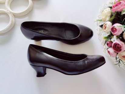 39 (25,5 см) Кожаные женские туфли