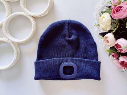 Новая теплая шапка для мальчика